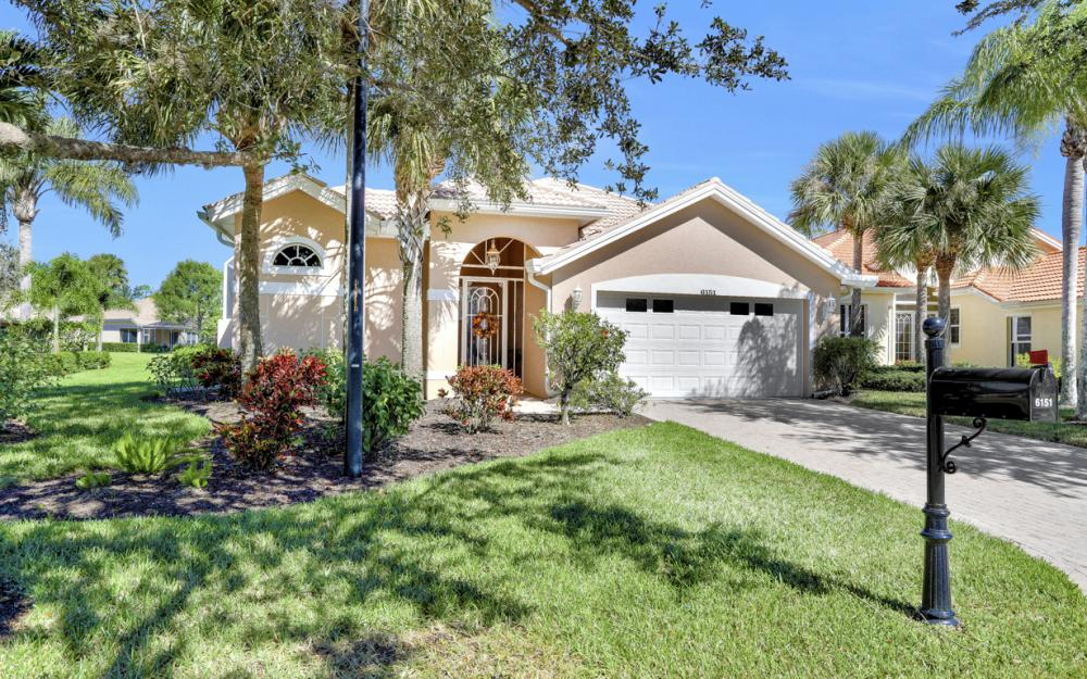 6151 Ashwood Ln, Naples - Home For Sale 1185033618