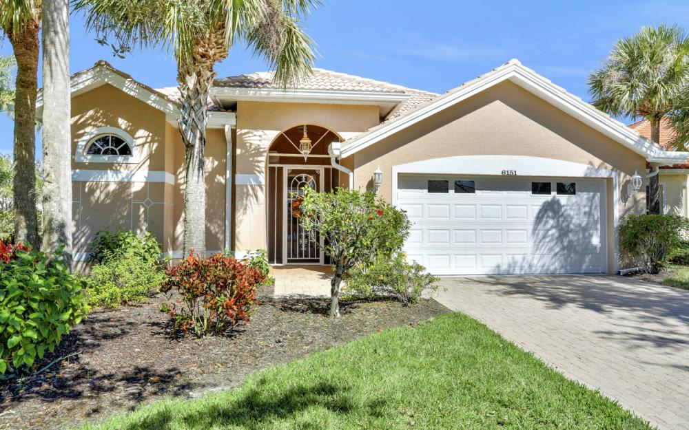 6151 Ashwood Ln, Naples - Home For Sale 505718192