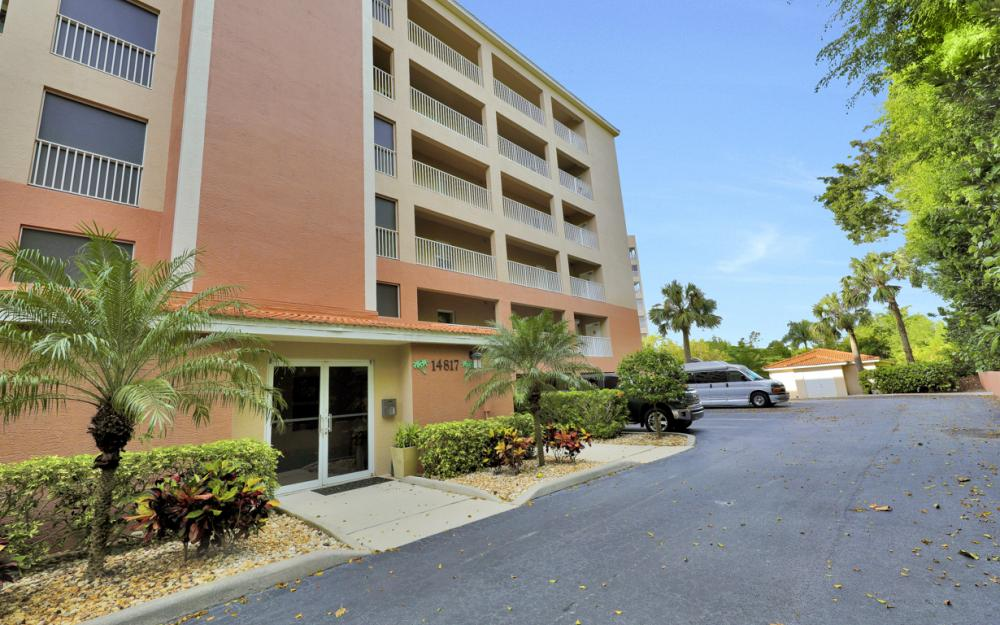 14817 Laguna Dr Apt 103, Fort Myers - Condo For Sale 2092088766