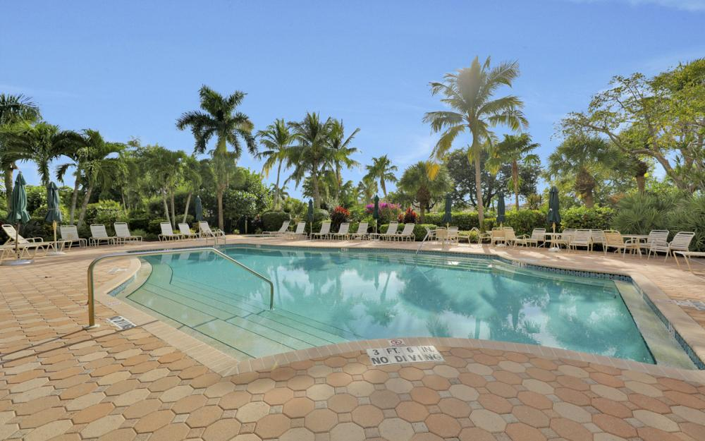 14817 Laguna Dr Apt 103, Fort Myers - Condo For Sale 2044039112