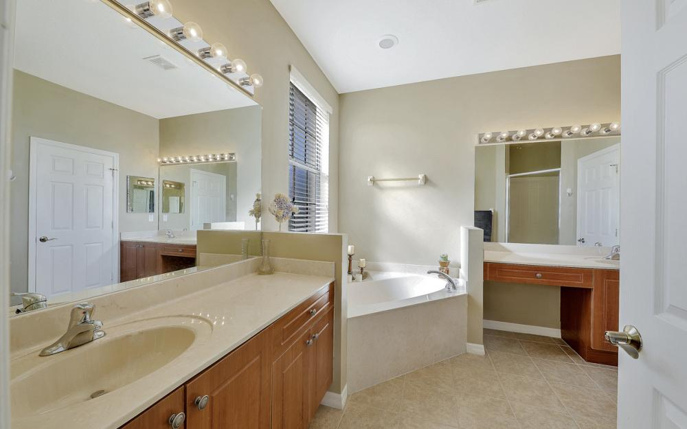 15613 Summit Place Cir, Naples - Home For Sale 2100697735