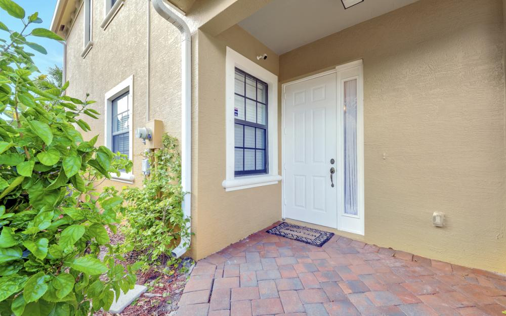 15613 Summit Place Cir, Naples - Home For Sale 2100561206