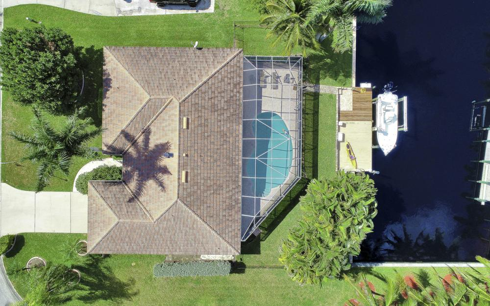 1027 S Town and River Dr, Fort Myers - Home For Sale 416620979