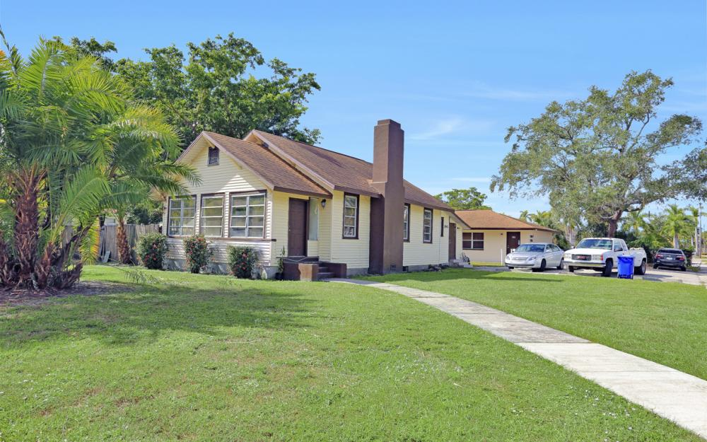 2066 Franklin St, Fort Myers - Home For Sale 1127631808