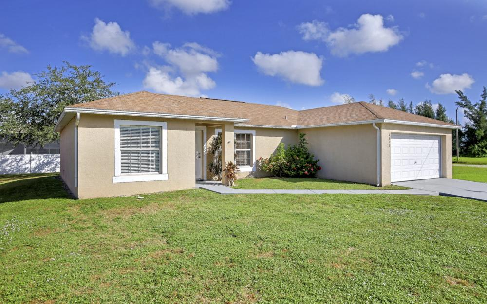 1621 SW 3rd Ter Cape Coral - Home For Sale 616606000