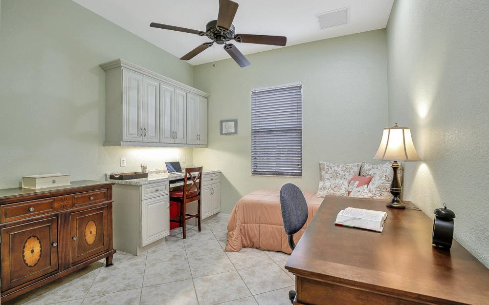 11204 Adora Ct, Fort Myers - Home For Sale 480892391