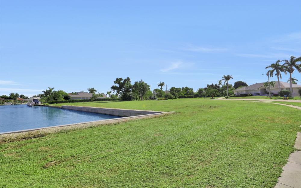 931 E Inlet Dr, Marco Island - Lot For Sale 671450267