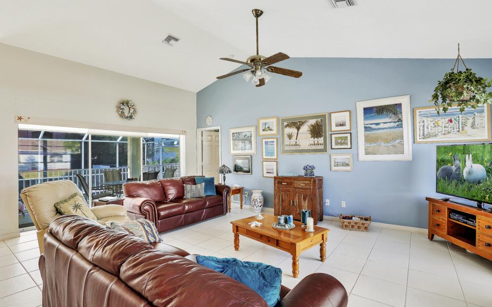 216 Castaways St, Marco Island - Home For Sale 970864379