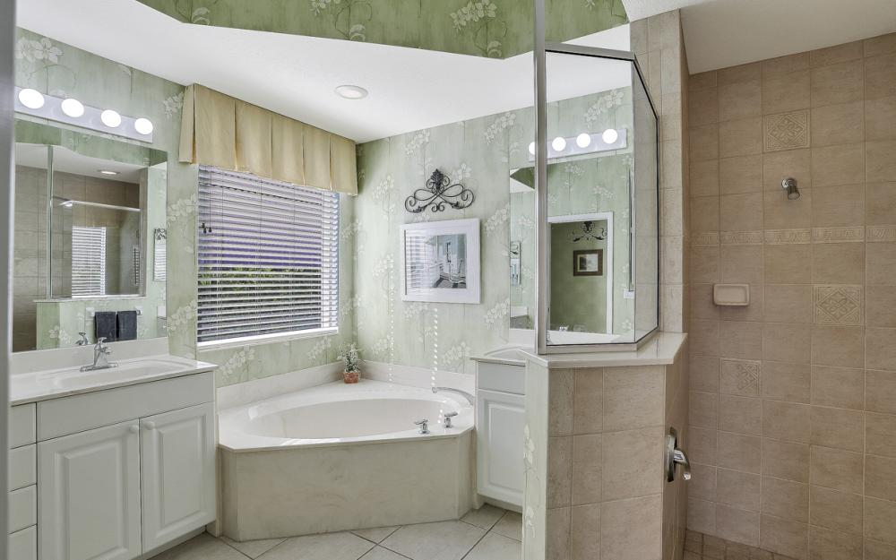 1200 Briarwood Ct, Naples - Home For Sale 863691