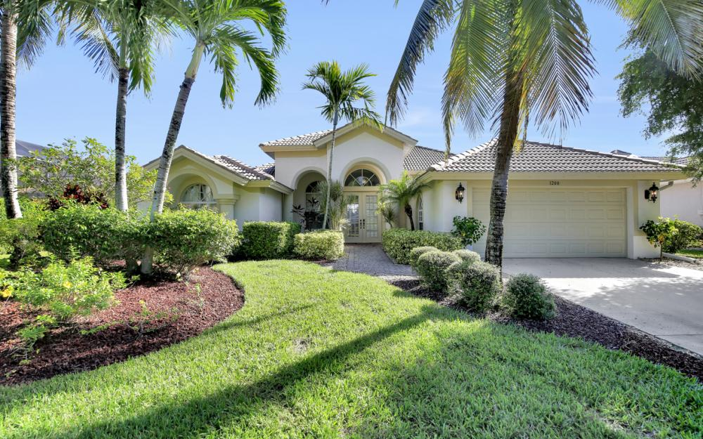 1200 Briarwood Ct, Naples - Home For Sale 550981581