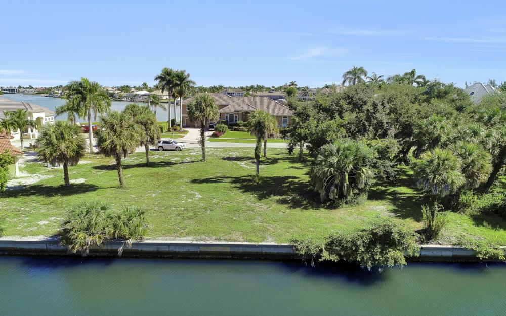 730 Austin  Ct, Marco Island - Lot For Sale 2027134270