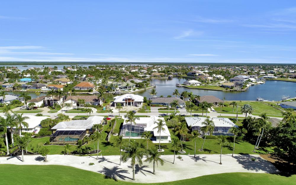 336 Nassau Ct, Marco Island - Home For Sale 289769235
