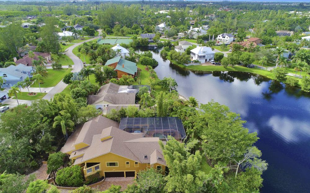 7232 Hendry Creek Dr, Fort Myers - Vacation Rental  2049185910