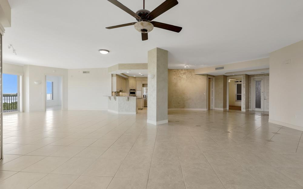4801 Island Pond Ct #702, Bonita Springs - Condo For Sale 2015581806