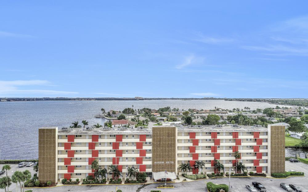 1766 Cape Coral Pkwy E. #210, Cape Coral - Condo For Sale 582021815