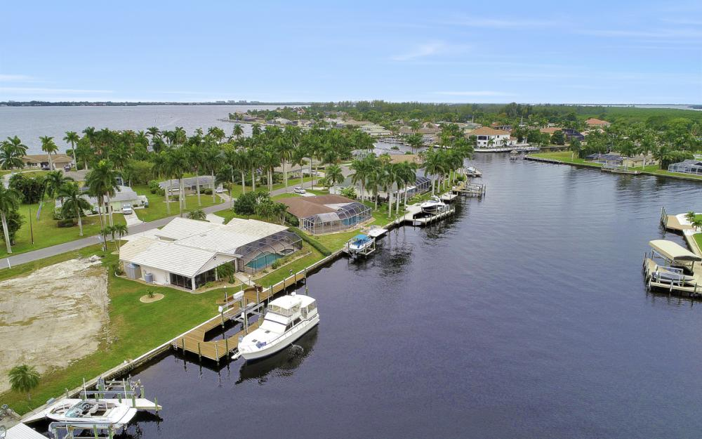 115 Bayshore Dr, Cape Coral - Home For Sale 1622207040