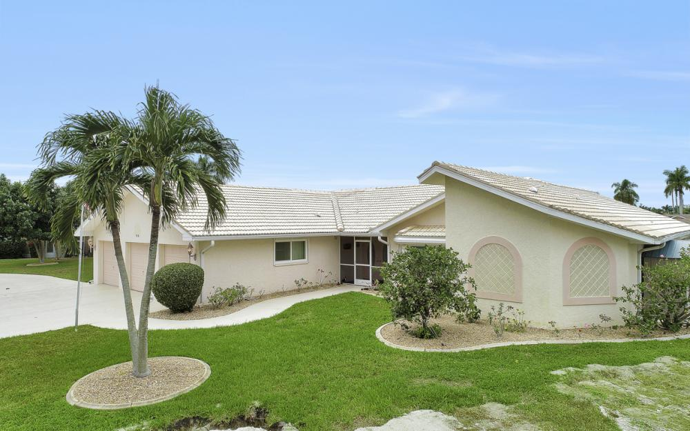115 Bayshore Dr, Cape Coral - Home For Sale 655575559