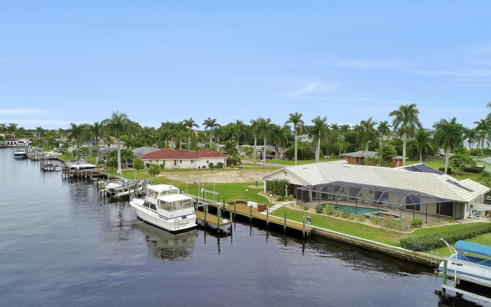 115 Bayshore Dr, Cape Coral - Home For Sale 2013578689