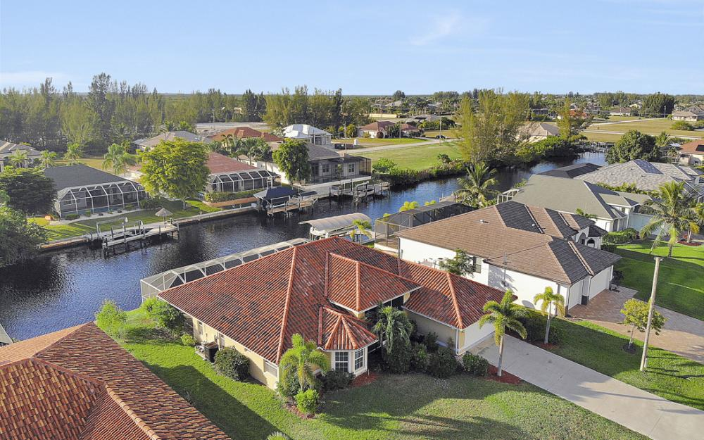 702 NW 38th Pl, Cape Coral - Home For Sale 1374179390