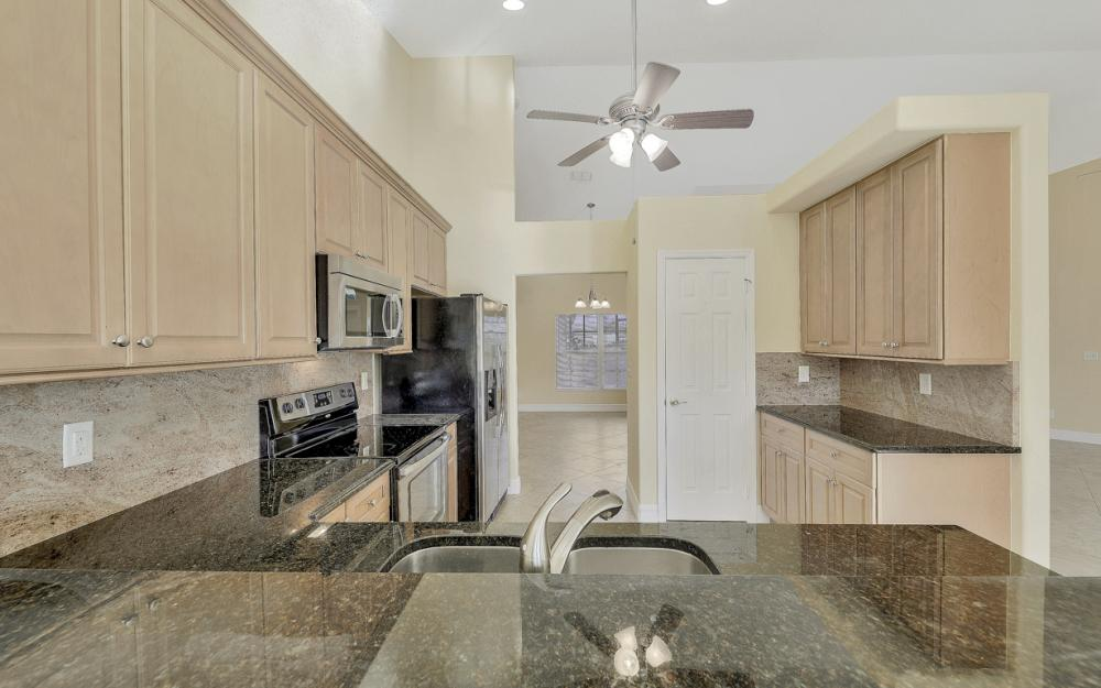 702 NW 38th Pl, Cape Coral - Home For Sale 2068791465