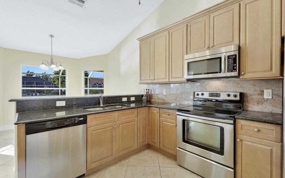702 NW 38th Pl, Cape Coral - Home For Sale 266010076