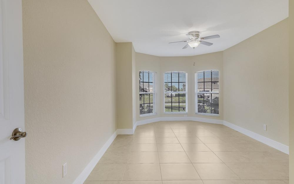 702 NW 38th Pl, Cape Coral - Home For Sale 1570808428