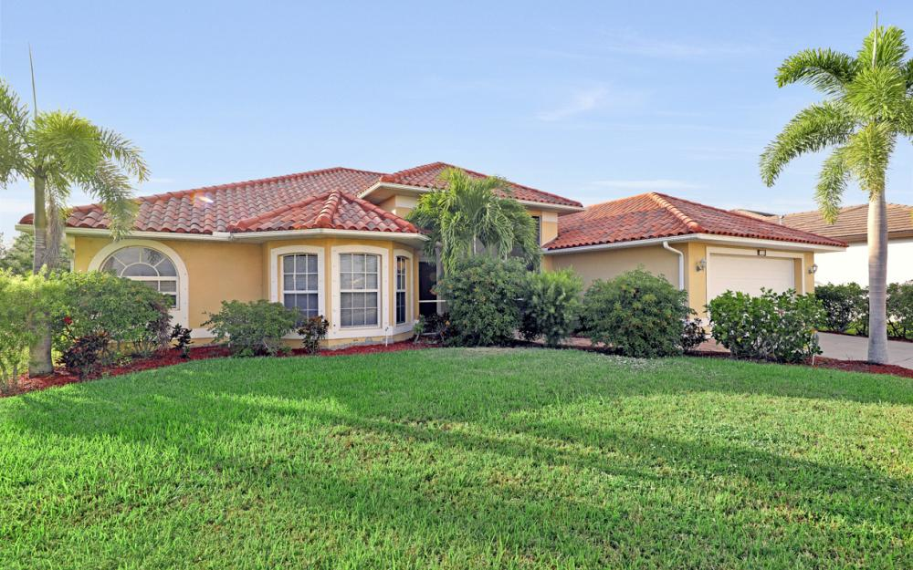 702 NW 38th Pl, Cape Coral - Home For Sale 1590249907