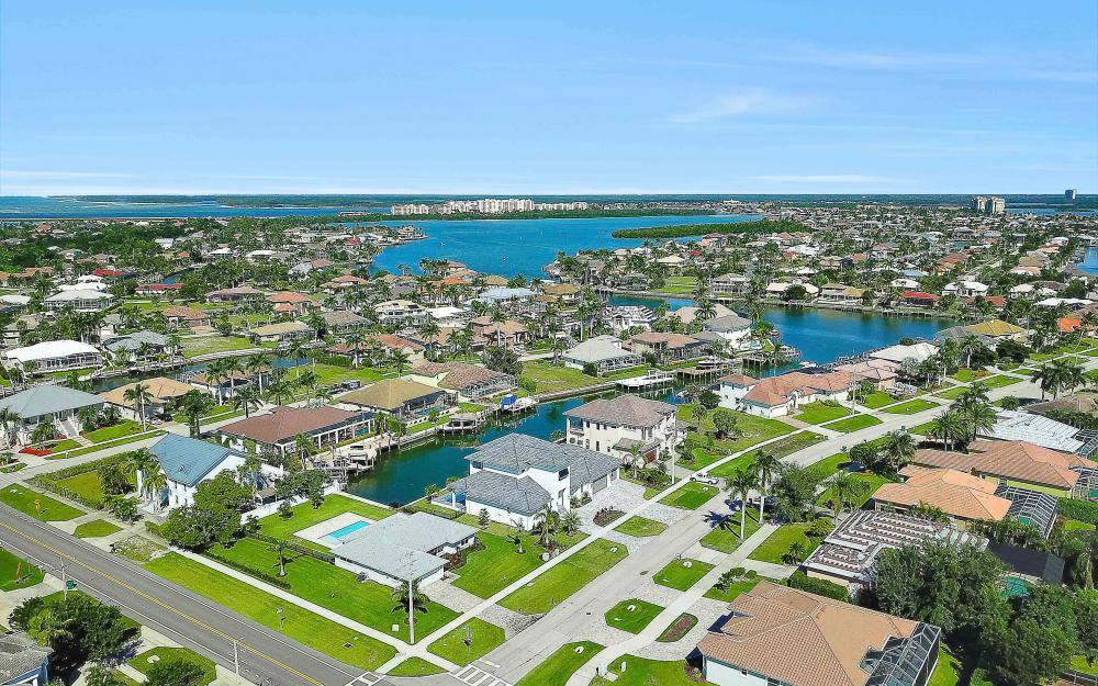 609 Hernando Dr, Marco Island - Home For Sale 2051580965