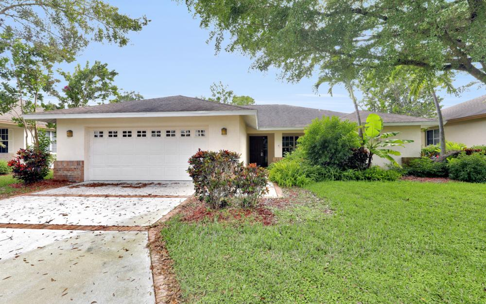 5786 Elizabeth Ann Way, Fort Myers - Home For Sale 1021408357