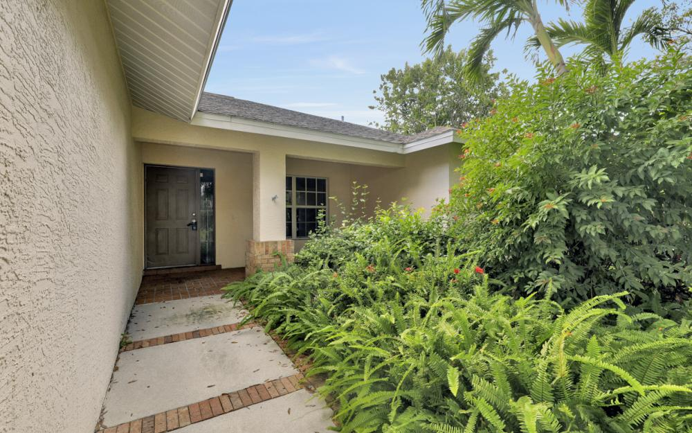 5786 Elizabeth Ann Way, Fort Myers - Home For Sale 1245531006