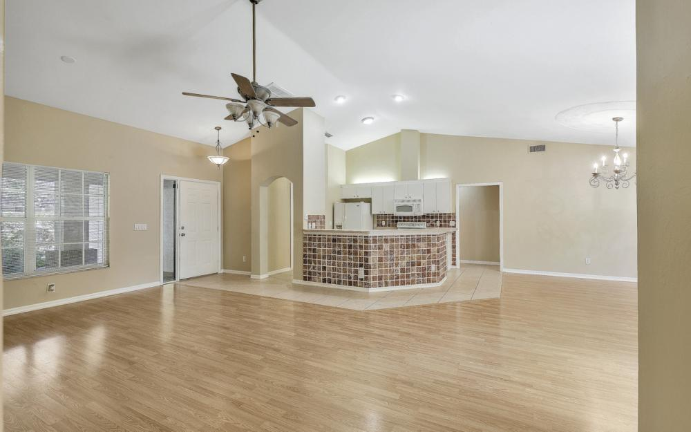 5786 Elizabeth Ann Way, Fort Myers - Home For Sale 520763889