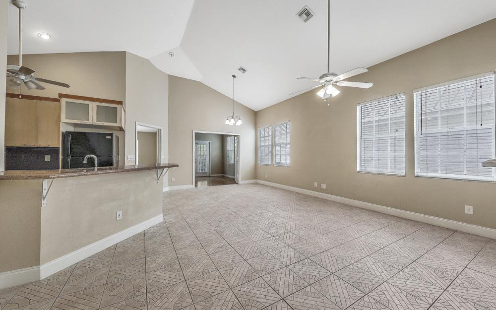 6107 Waterway Bay Dr, Fort Myers - Home For Sale 914207739