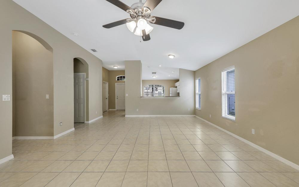9747 Gladiolus Bulb Loop, Fort Myers - Home For Sale 498923557
