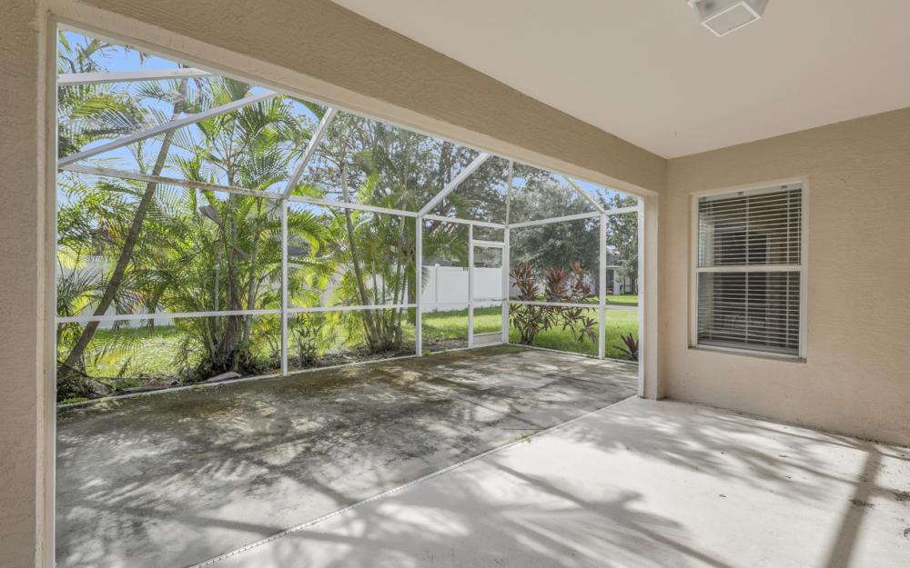 9747 Gladiolus Bulb Loop, Fort Myers - Home For Sale 1038534532