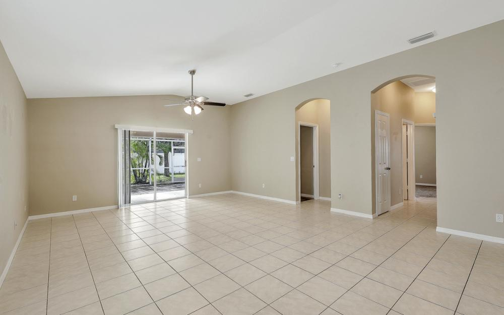 9747 Gladiolus Bulb Loop, Fort Myers - Home For Sale 1498098548