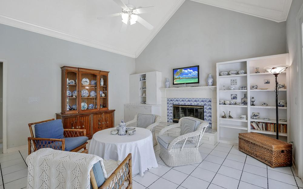 6125 Deer Run, Fort Myers - Home For Sale 1009417882