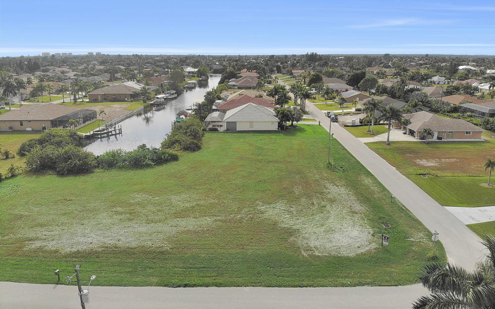 2630 SW 32nd Ln, Cape Coral - Lot For Sale 1729055850