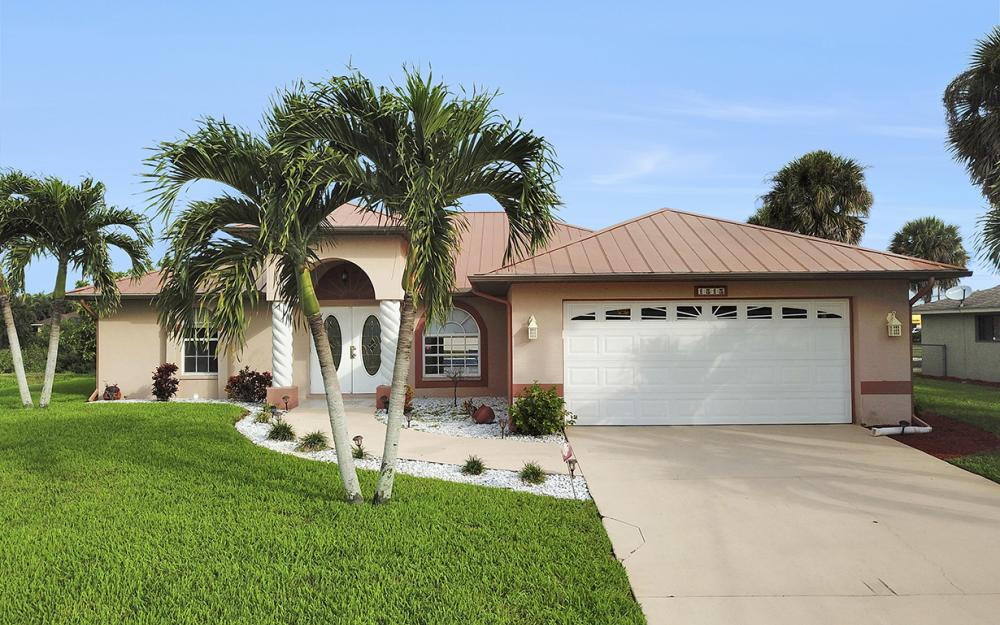 1515 SE 21st St, Cape Coral - Home For Sale 824325205