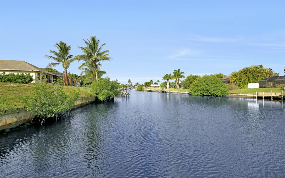 1515 SE 21st St, Cape Coral - Home For Sale 439279070