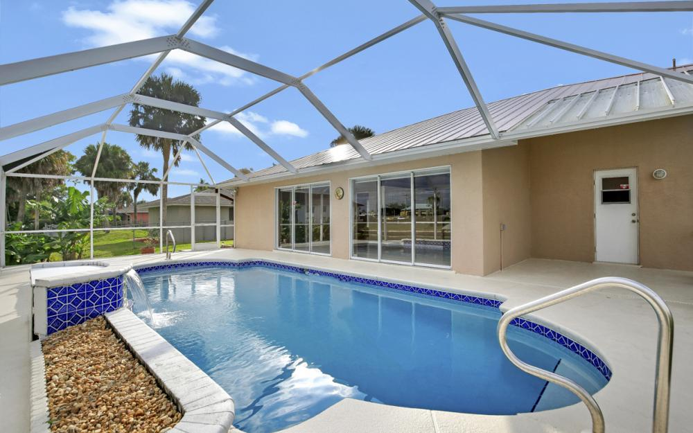 1515 SE 21st St, Cape Coral - Home For Sale 298082889