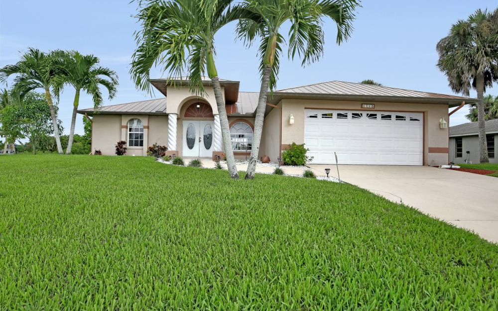 1515 SE 21st St, Cape Coral - Home For Sale 2124449096