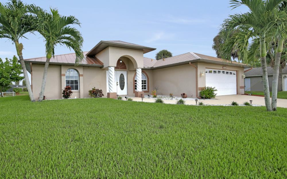 1515 SE 21st St, Cape Coral - Home For Sale 2020678091