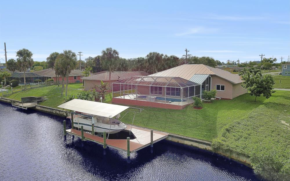 1515 SE 21st St, Cape Coral - Home For Sale 927656932