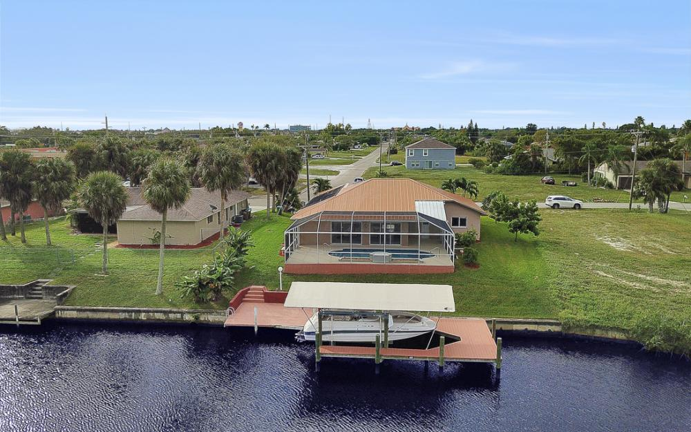 1515 SE 21st St, Cape Coral - Home For Sale 301511512