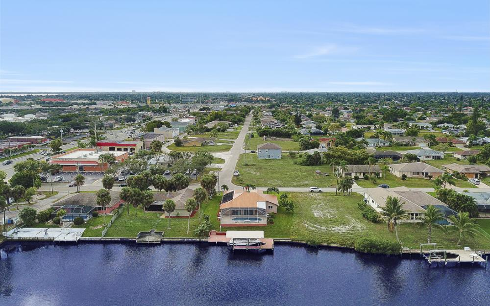 1515 SE 21st St, Cape Coral - Home For Sale 987748206