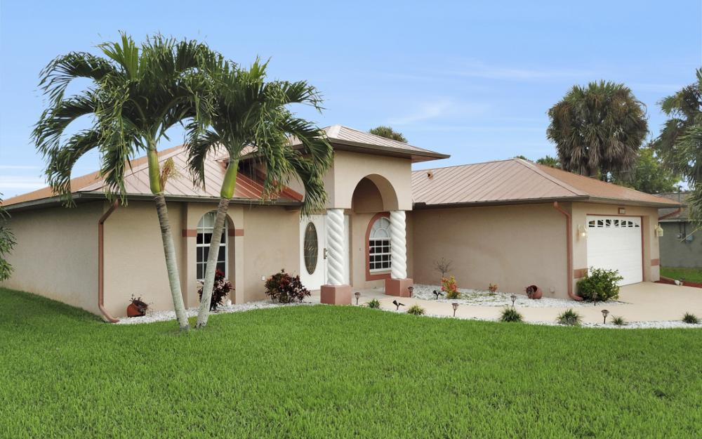 1515 SE 21st St, Cape Coral - Home For Sale 1370304400