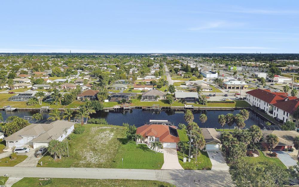 1515 SE 21st St, Cape Coral - Home For Sale 1460557890