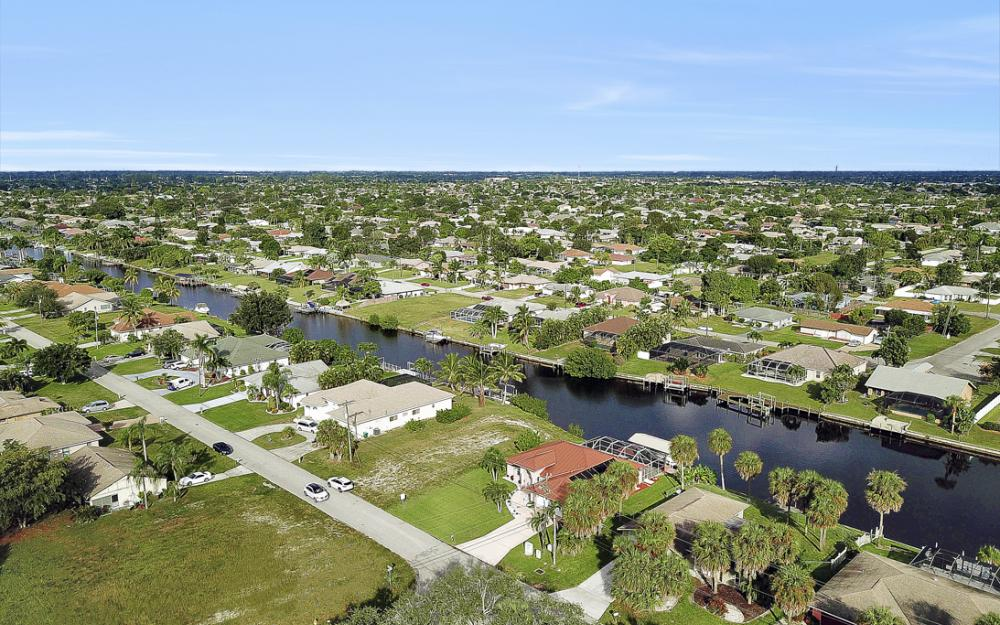 1515 SE 21st St, Cape Coral - Home For Sale 1150279803