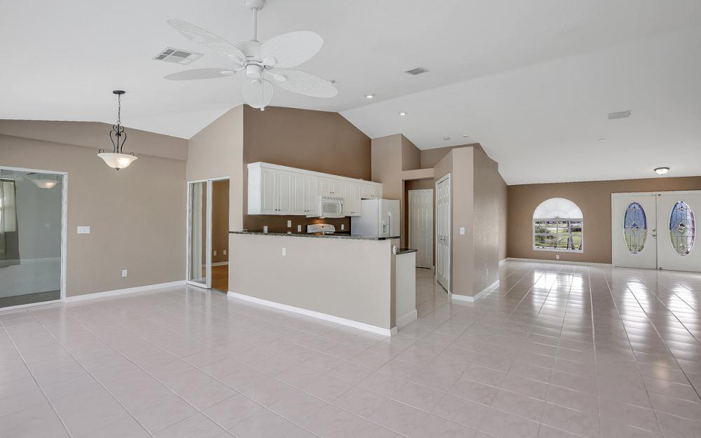 1515 SE 21st St, Cape Coral - Home For Sale 1758183462