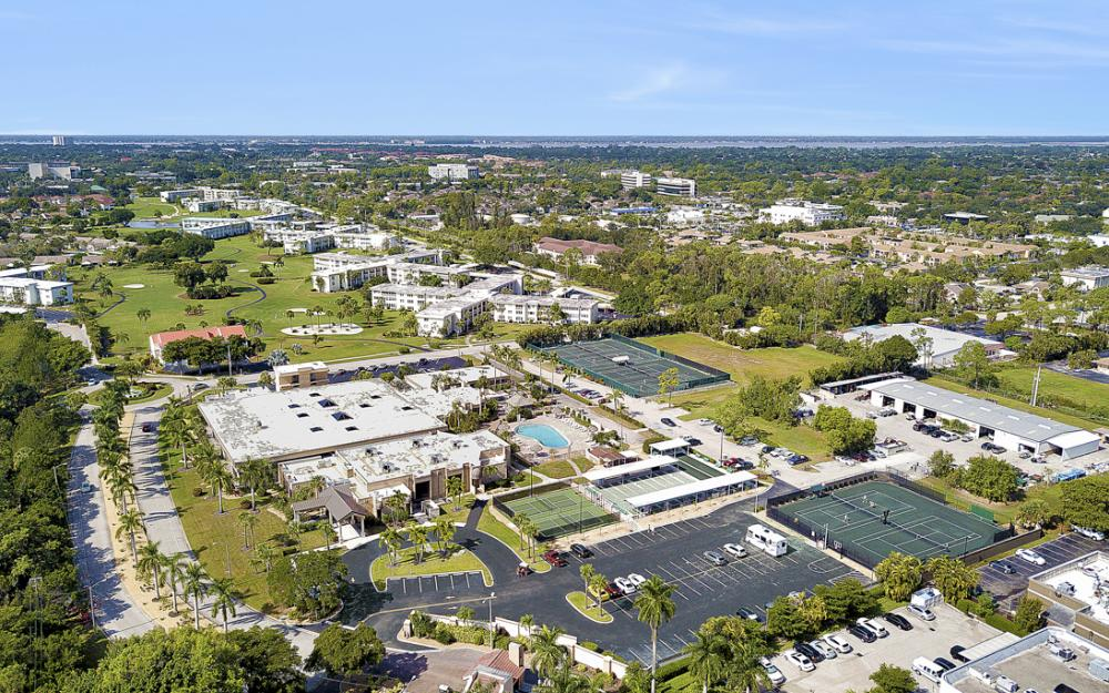 6220 Augusta Dr #317, Fort Myers - Condo For Sale 318938634
